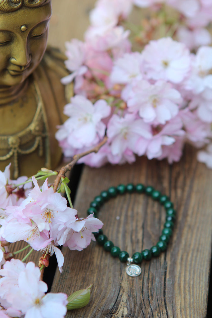Bracelet in Malachite with silver charm Lotus mandala