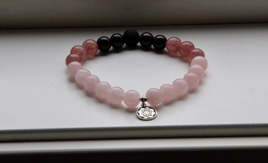 MY LIFE, MY JOURNEY Bracelet in Rose Quartz, Garnet, Strawberry Rose Quartz, Lava and silver charm Lotus mandala