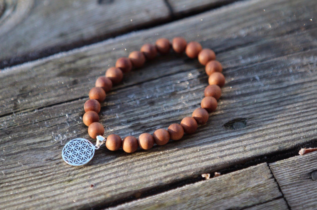 SAT NAM mala bracelet in fragrant sandalwood with silvercharm Flower of Life