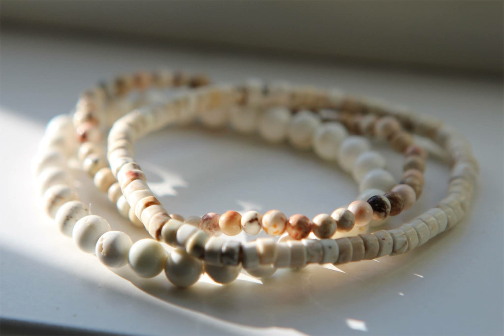 CALM Bracelet in Howlite 3,5 mm round