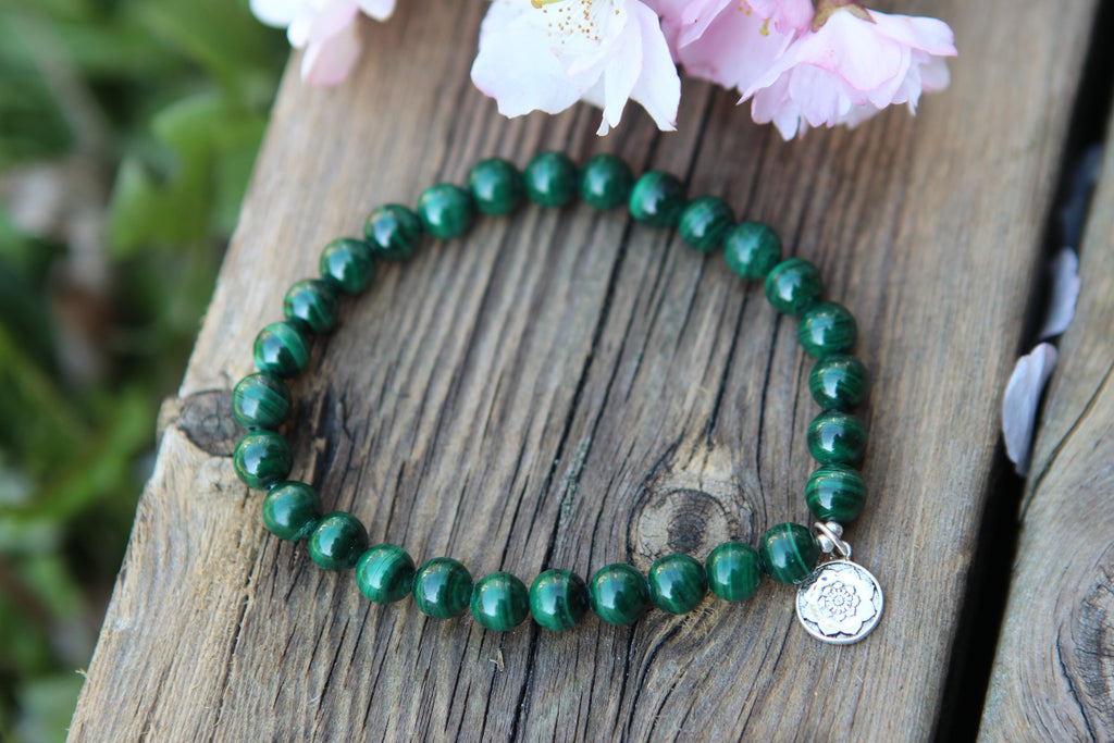 Bracelet in Malachite with silver charm Lotusmandala