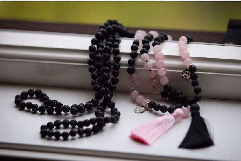 GAIA Mala petite in Rose quartz & Lava with black tassel