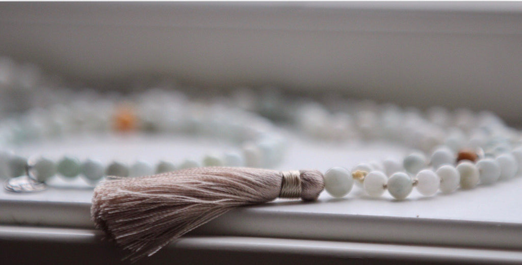 Mala Petite LIFE SALUTATIONS  in Jade with beige tassel