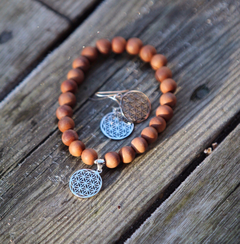 SAT NAM mala bracelet in sandalwood with silver charm Flower of Life
