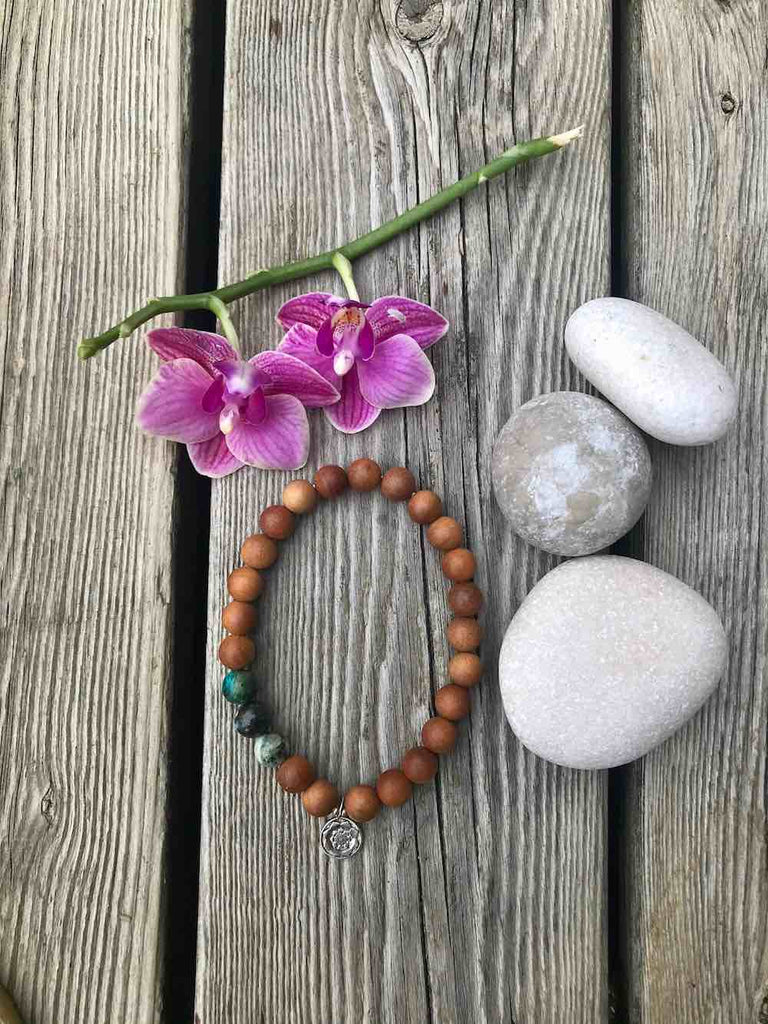Stretchy bracelet mala in Sandalwood & Chrysocolla with silver charm Lotus Mandala/Lotus flower