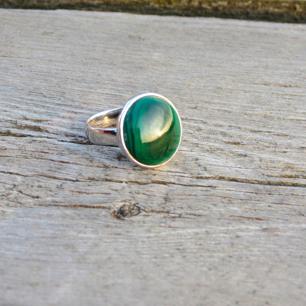 Amazing ring in silver and round Malachite