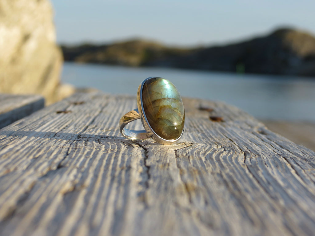 Oval silver ring with stunning high quality Labradorite
