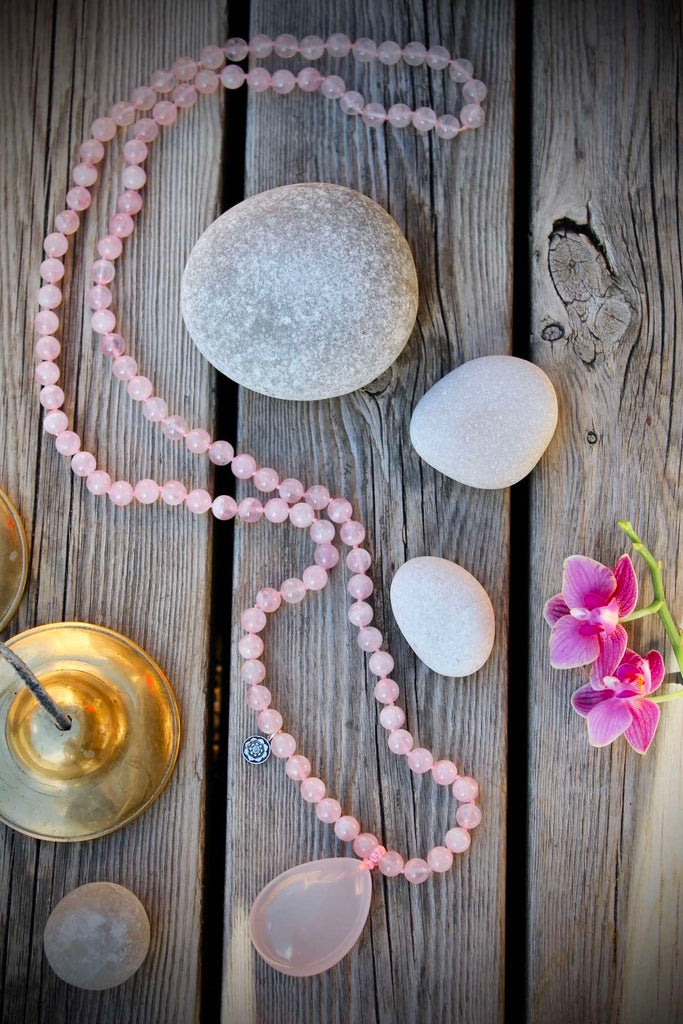 LOVE Mala in premium Rose Quartz with gurubead in Rosequartz and silver charm Lotus flowerLOVE Mala in premium Rose Quartz with guru bead in Rose quartz and silver charm Lotus flower