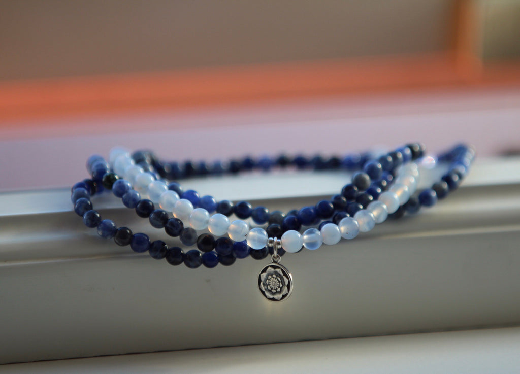 Bracelet wrap in Sodalite & Agate with silver Lotus flower