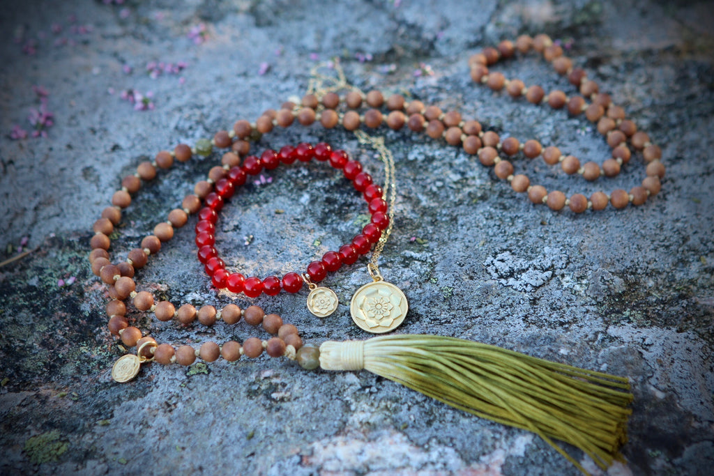 Bracelet Mala in premium Carnelian with gold plated silver charm Lotus flower