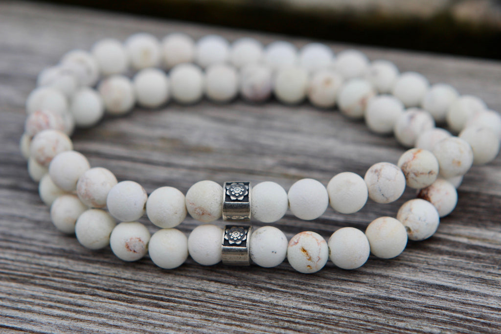Calm & Peace bracelet in Howlite and silver bead Lotus