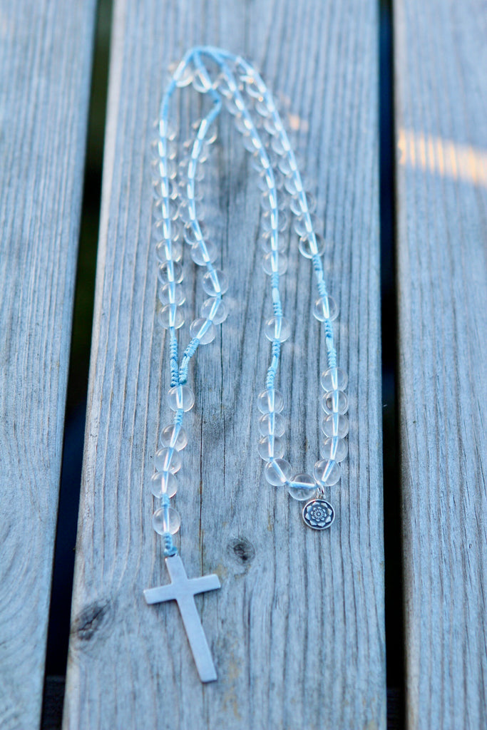 Rosary beads in premium Quartz with crucifix in silver and silver charm Lotusflower