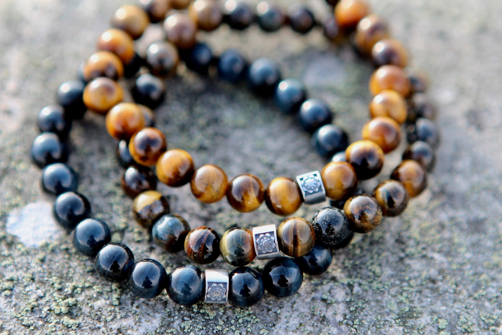 Focus & Calm bracelet in premium Blue Tiger eye with silver Lotus bead