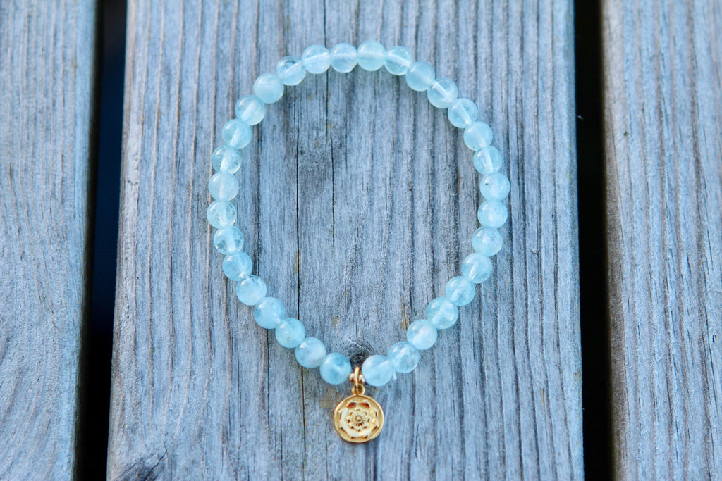 Bracelet Mala in premium Aquamarine with gold plated silver Lotus Mandala/Lotus Flower