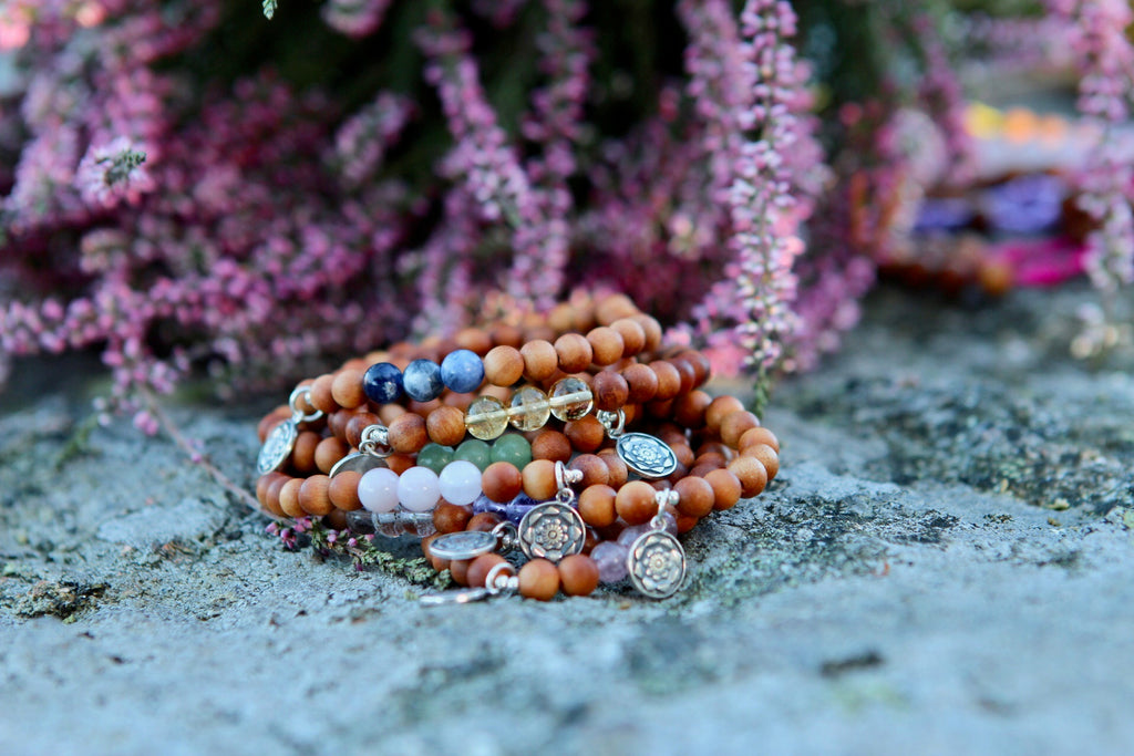 Bracelet mala in Sandalwood & Citrine with silvercharm Lotus Mandala/flower