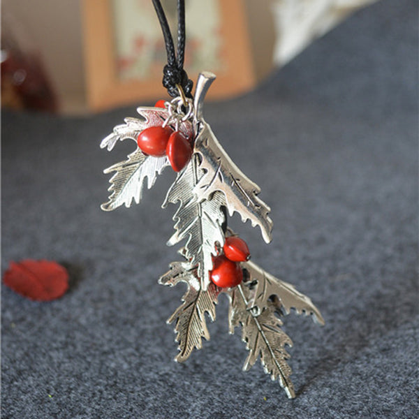 Silver Maple Leaf Ormosia Vintage Holiday Alloy Necklace