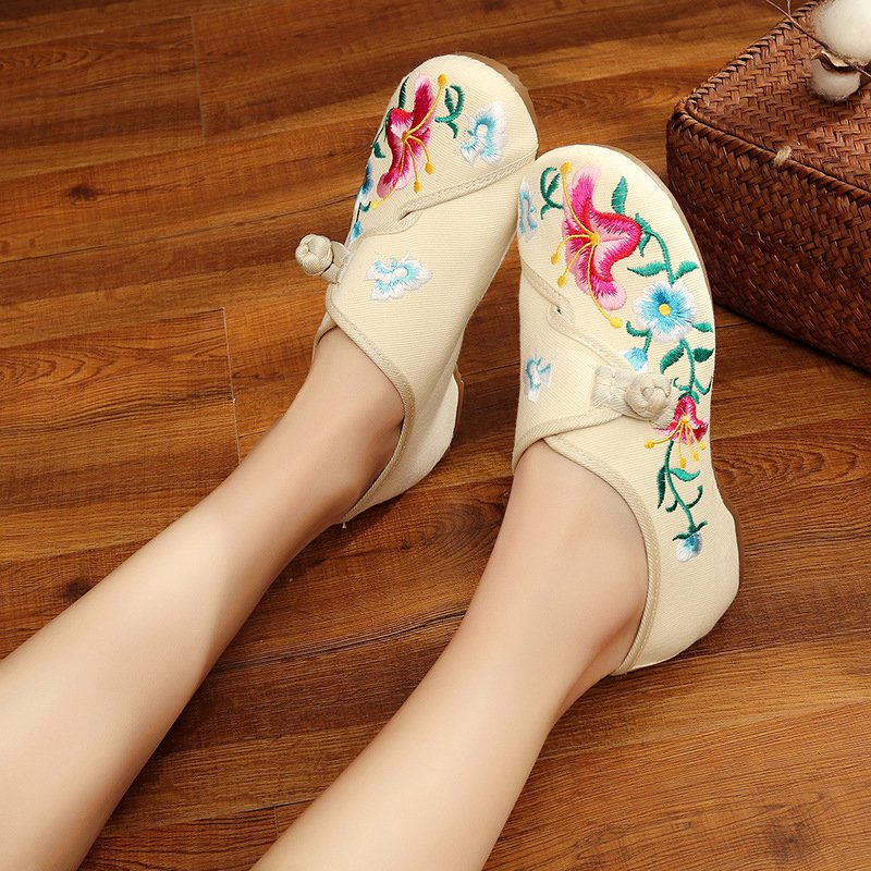 Floral Embroidered Canvas Casual Flat Heel Loafers