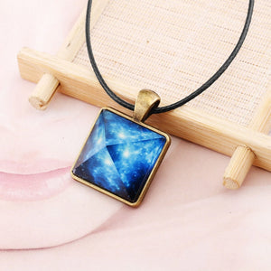 Charm Crystal Glow In The Dark Necklace Pyramid Pendant Space Star Triangle Geometric Luminous Necklace For Women