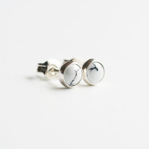 5mm Howlite stud earrings are made of 925 sterling silver. They are great everyday earrings