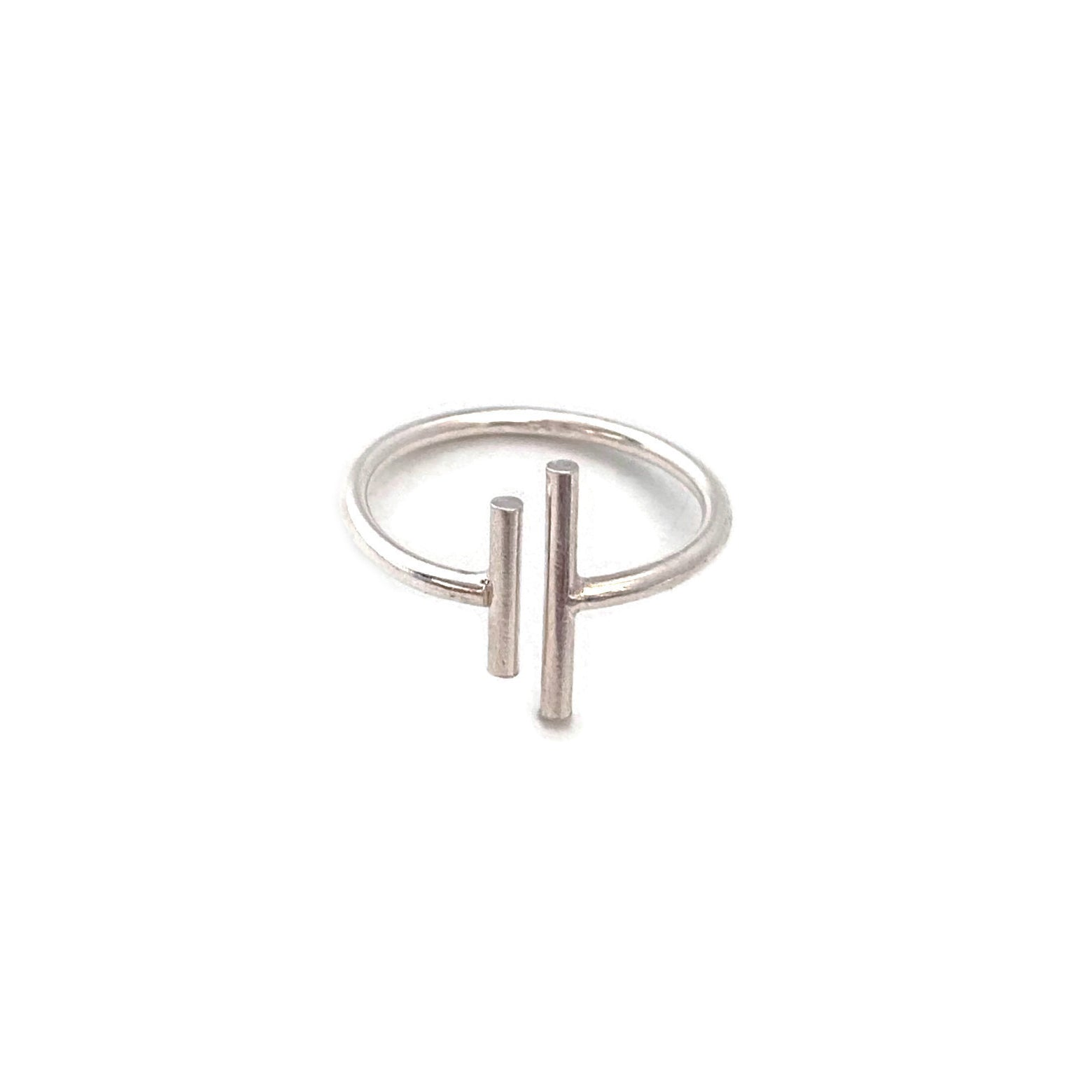 Sterling silver bar ring is minimal and simple for your everyday outfit.