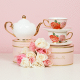 Teapot Ivory & Gold Small - Red Sparrow Tea Company