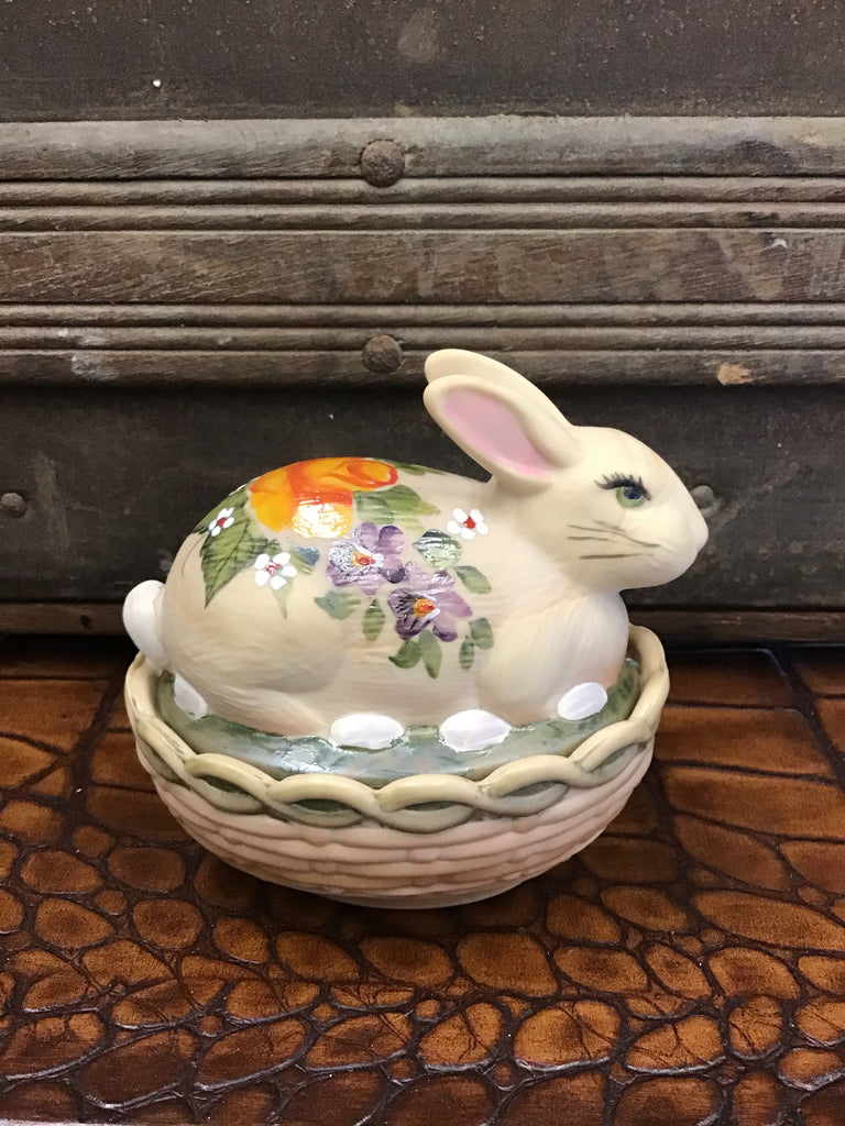 Mosser Glass Tan w/ Floral Design Bunny Dish
