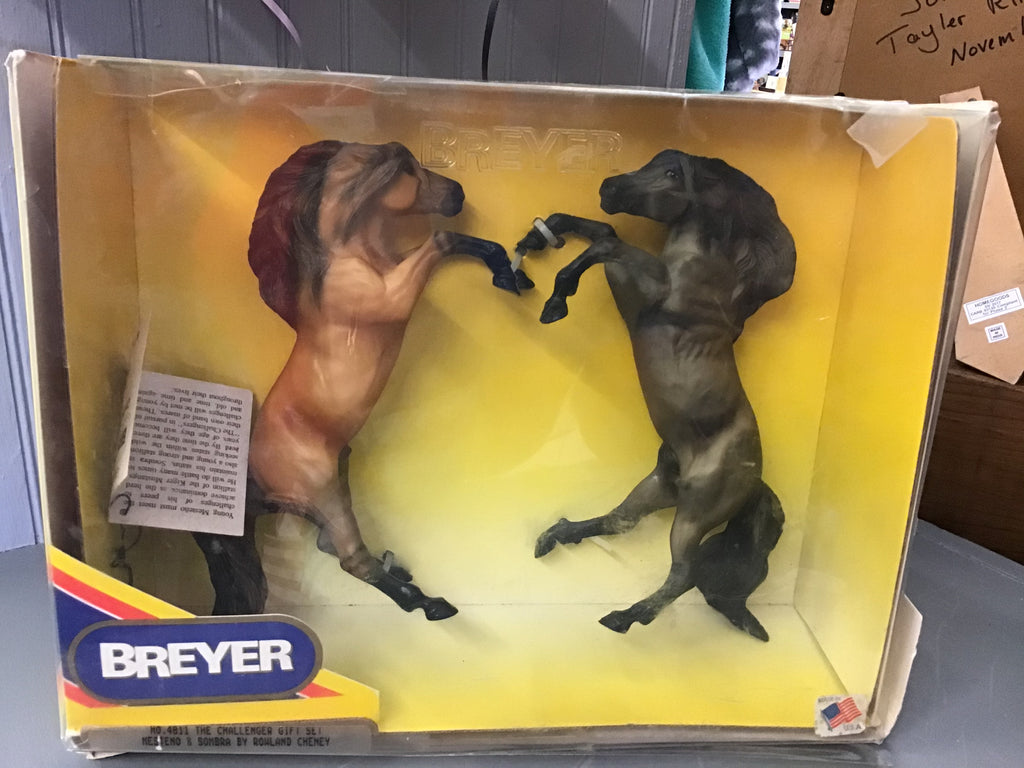 Breyer Estate #4811 Challenger Gift Set