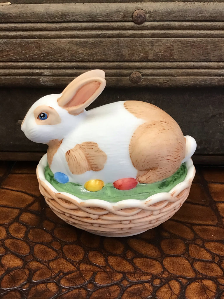 Mosser Glass Tan and White Spotted Bunny Dish