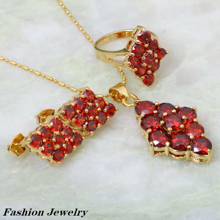 Classical Garnet and Gold Jewelry Set