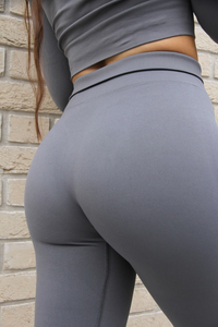 THE ZINNIA LEGGING - COOL GREY