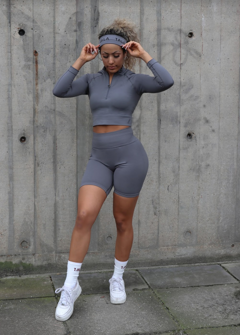 ASTER CROP - COOL GREY