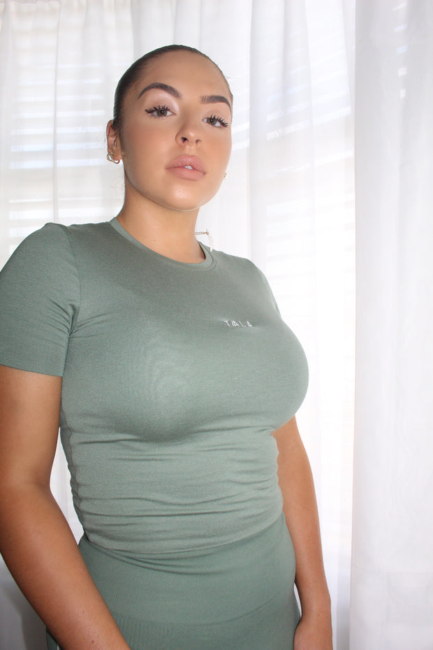 ZAE SHORT SLEEVE CROP TOP - KHAKI