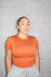 ZAE SHORT SLEEVE CROP TOP - BURNT ORANGE