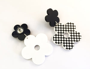 Mod 60s Flower Earrings