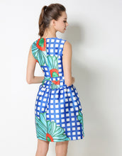 "Load image into Gallery viewer, Comino Couture ""Blossom Hill"" Floral Print Dress *WAS £95*"