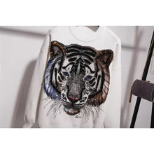 Load image into Gallery viewer, New!  Tigers eyes white knitted set
