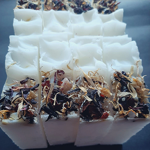 COCONUT OIL Soap with tea leaves