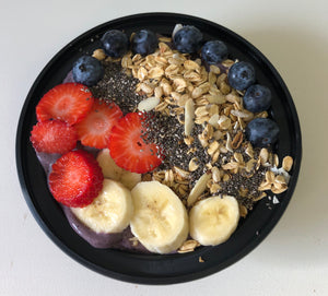 Strawberry & Matcha Açaí Berry Bowl
