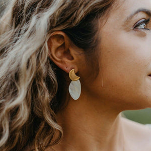 La Luna Pearl Earrings (Pre-order only)