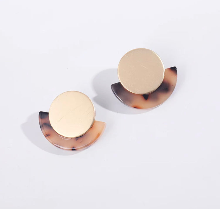 Tortoiseshell Earrings - gold half moon 028