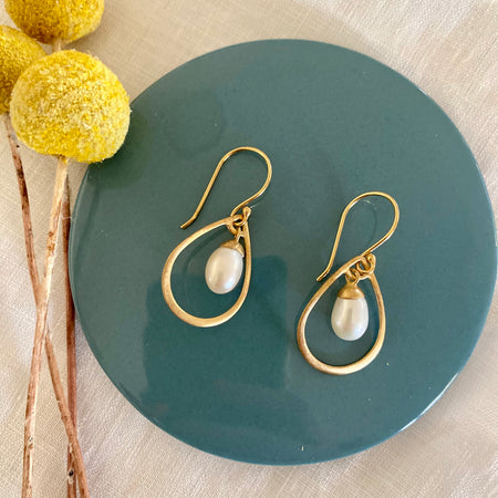 Sterling Silver Gold Plated Tear Drop Pearl Dangle Earring's 035