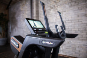 "SportsArt V886-16 VERSO STATUS Cross Trainer - 16"" SENZA Touchscreen Display Console"