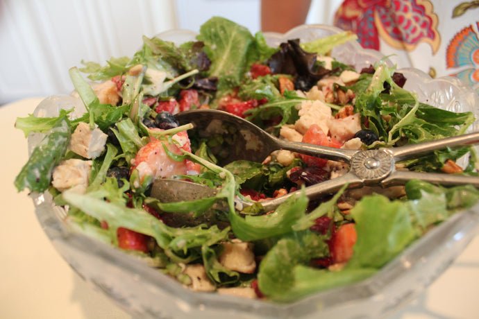 Strawberry Salad with Pecans and Chicken