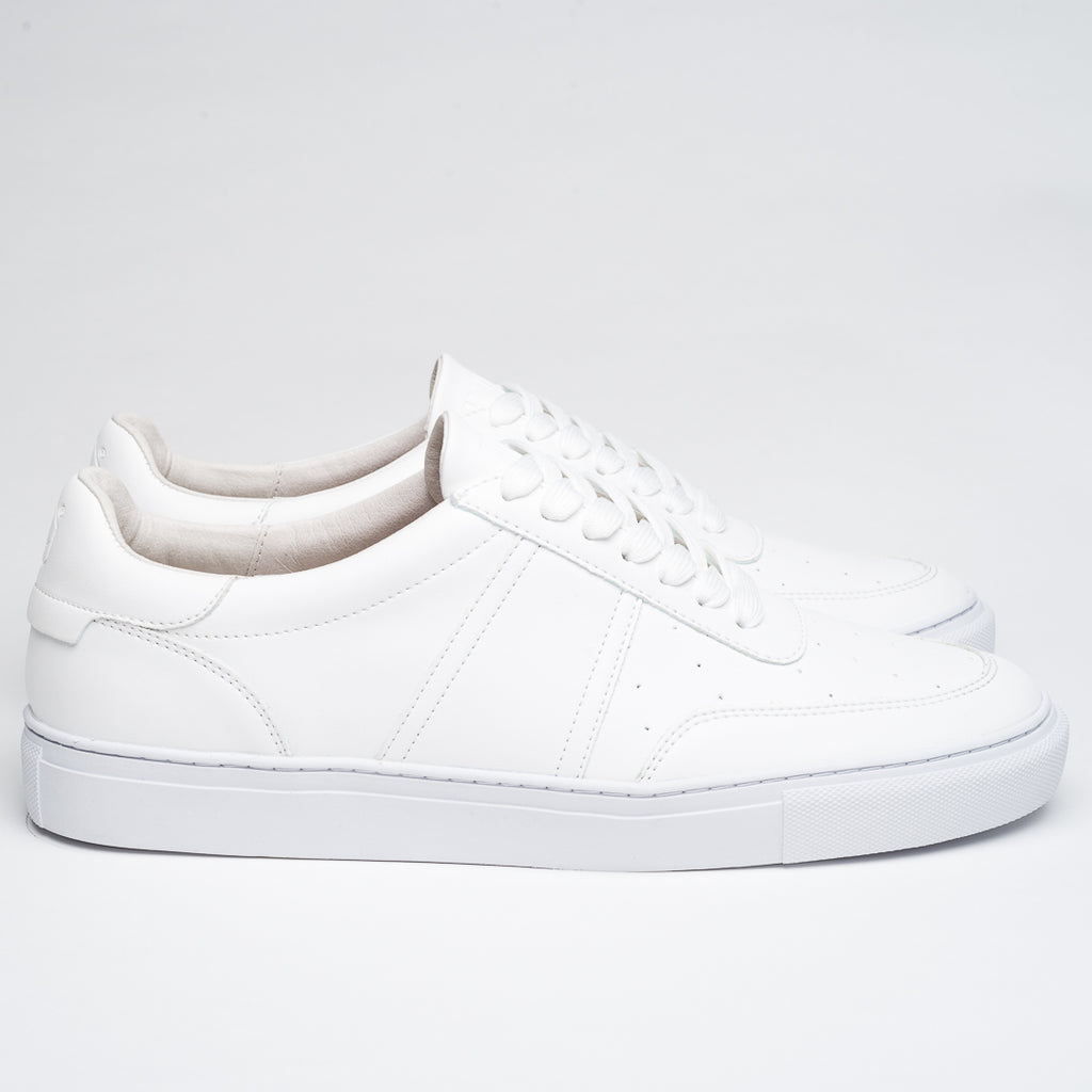 NEW WHITE ZERO SNEAKERS