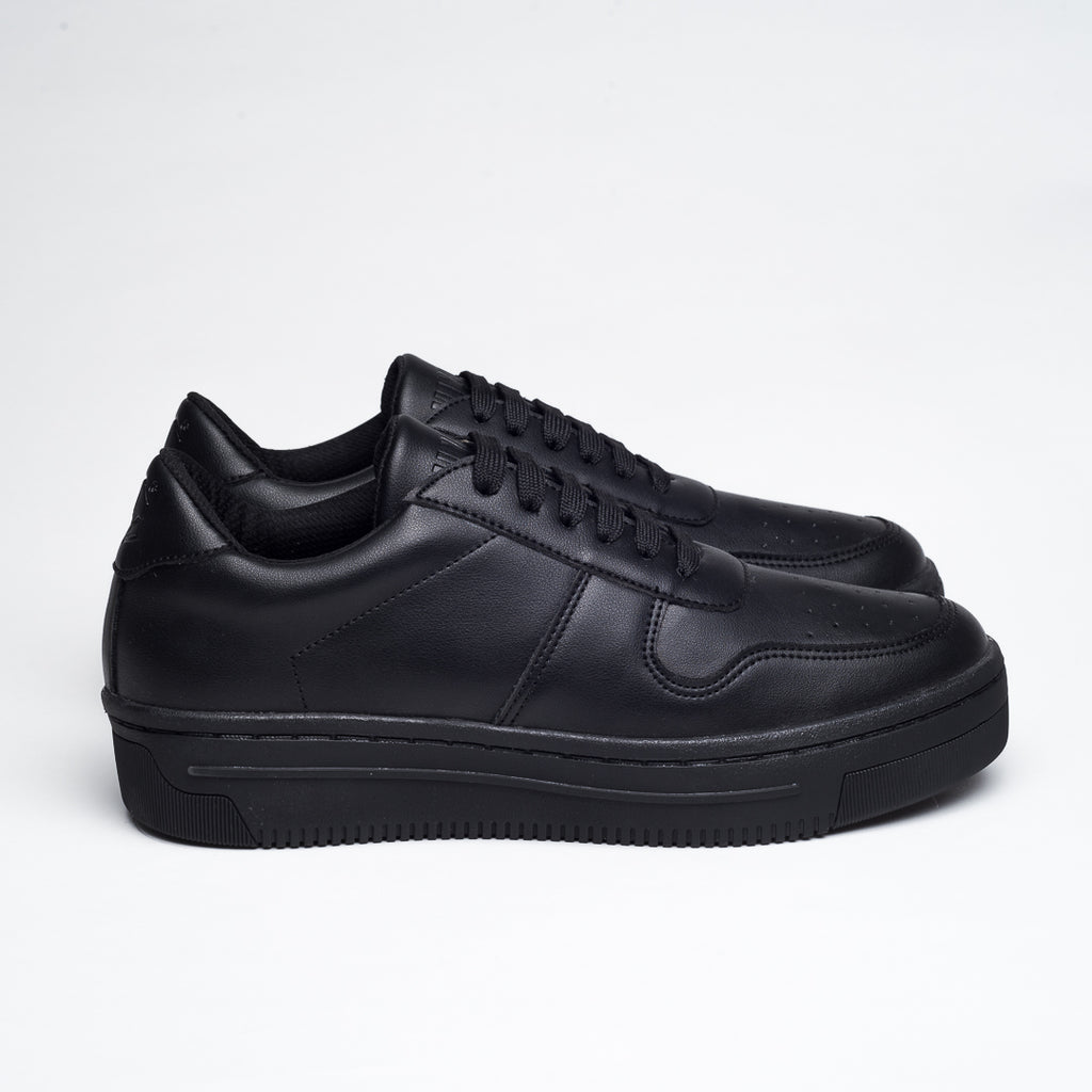 TOTAL BLACK OXYGEN SNEAKERS