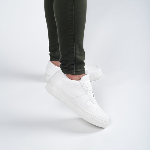 PLAIN WHITE OXYGEN SNEAKERS