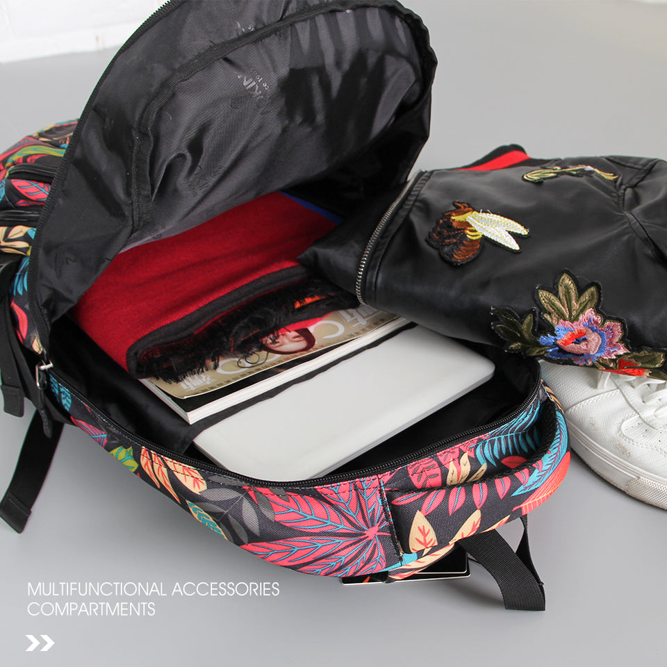 Travel bag with independent computer compartment