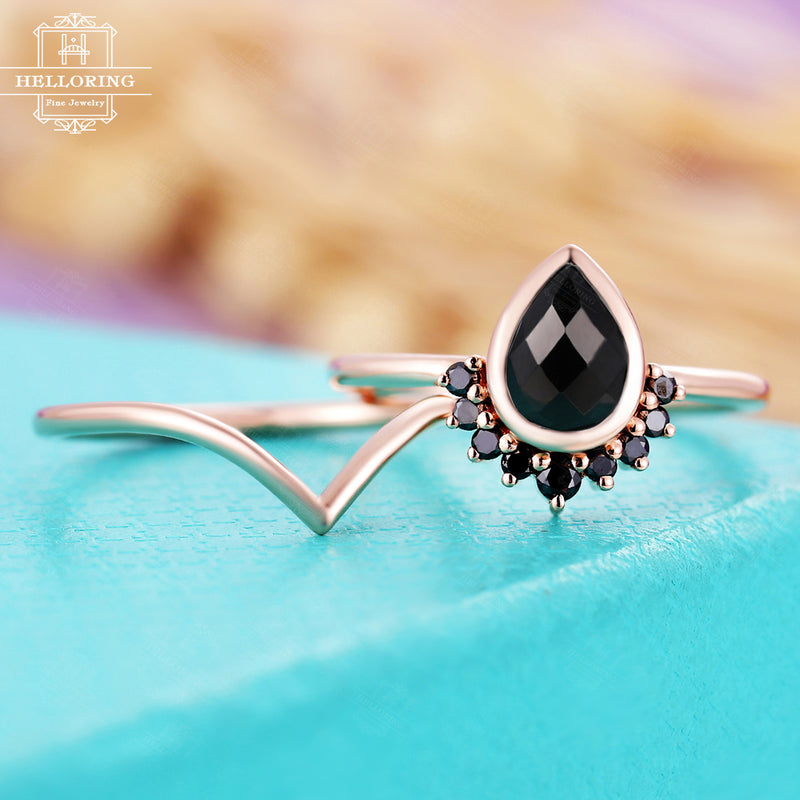 Pear shaped engagement ring set women,Black Onyx wedding ring,Black diamond jewelry,Curved plain gold band,Unique Anniversary gifts for her