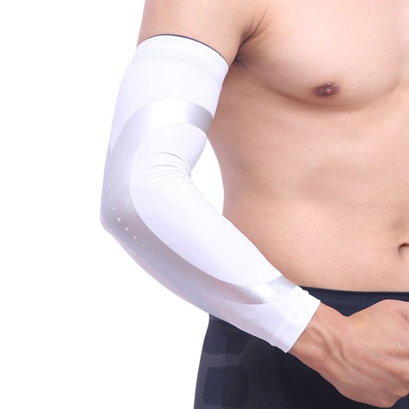 Man Wearing White Sports Warmer Arm  Sleeves| Queenruler