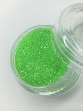 Load image into Gallery viewer, Key Lime Eyeshadow glitter - House Of Beauty by Paris J